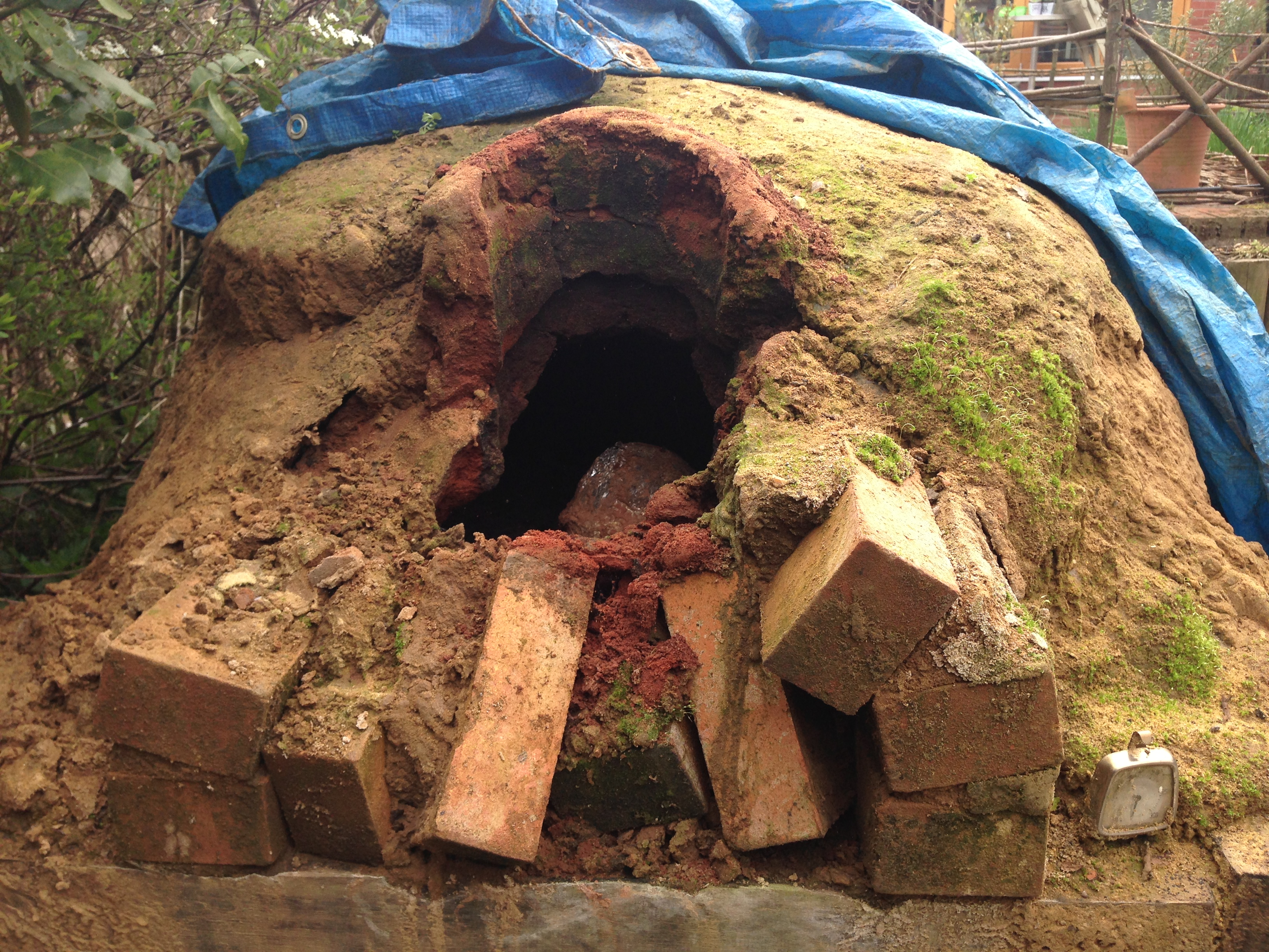 the clay oven how to build a traditional wood fired clay pizza